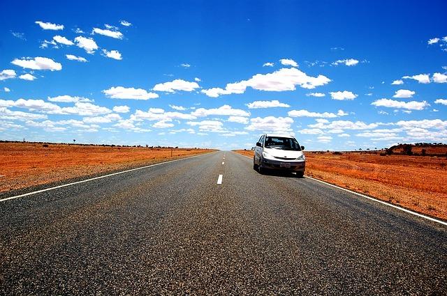 Gli apparecchi più popolari per l'auto: dash-cam e navigatore
