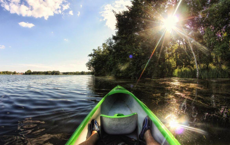 Mantenendosi in forma divertendosi. Rafting e canottaggio.