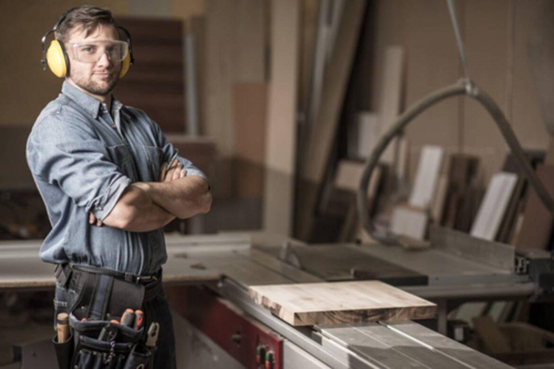 La fresa per spianare il legno, un attrezzo indispensabile per falegnami professionisti e non solo